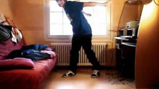 insane dubstep dance(The guy in the video is swody from offishal crew family. you can check out their channel here http://www.youtube.com/user/offishalcrew/feed., 2010-10-10T08:32:50.000Z)