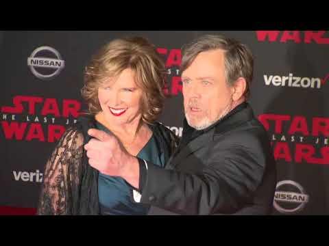 Box Office: 'Star Wars: The Last Jedi' Soars to $220 Million Opening Weekend