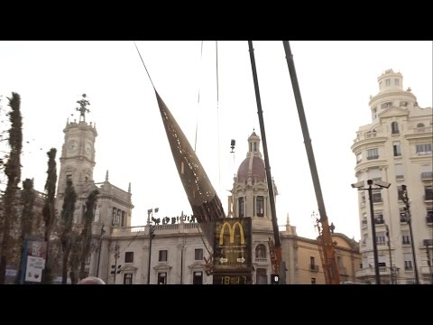 Plantà al tombe - Falla Plaza del Ayuntamiento 2017 'València, Ca la trava'