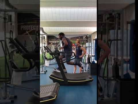 Alivereti Raka Sur Le Skillmill De Technogym Youtube
