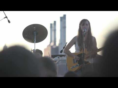 The Dirty Projectors - Temecula Sunrise (Live in Williamsburg)