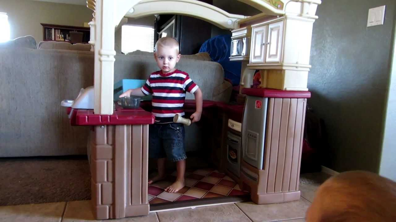 Step2 Grand Walk In Kitchen Grill Playset In Action Youtube