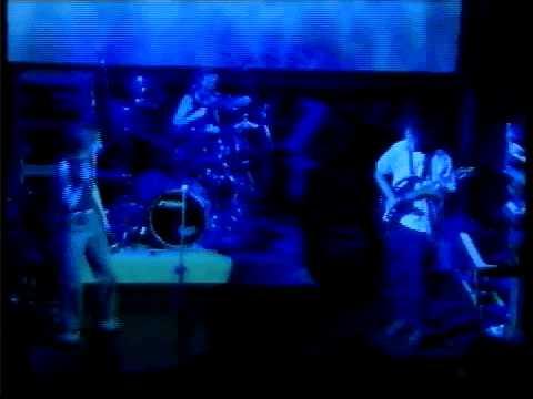 """Another"" Nicola Hitchcock/Mandalay live debut"
