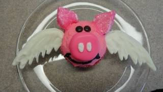 Decorating Cupcakes #63:  When Pigs Can Fly (cute pink Piggy)