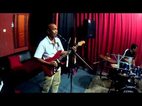 Video Lagu Rock Kapak : Keliru by Ramli Sarip Sweet Charity - Jom Jamming Studio