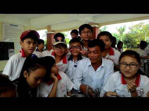 Kỷ Niệm Lớp 7/1 trường THCS Trần Phú (Long An) cùng thầy cô Thực Tập. Update by Ksanz