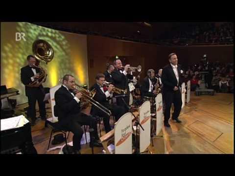 Happy Feet - Pasadena Roof Orchestra