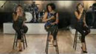 Rihanna - Hate that i love you (Live in Studio)