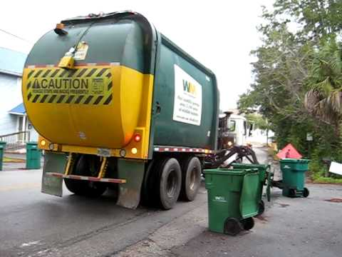 WM McNeilus Garbage Trucks - YouTube