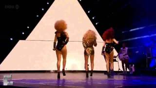 Beyonce - Single Ladies (Put a ring on it) Live at Glastonbury 2011 HD