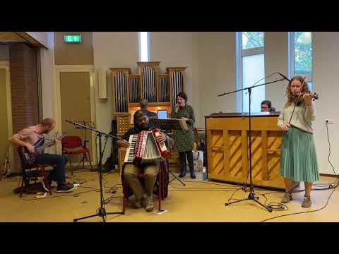 O zoete Naam met uw verborgen schatten (Glorieklokken 207) | Muziekteam Stichting Heart Cry
