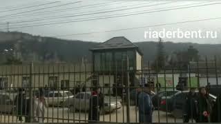 Драка у здания суда в Маджалисе, Дагестан - 2