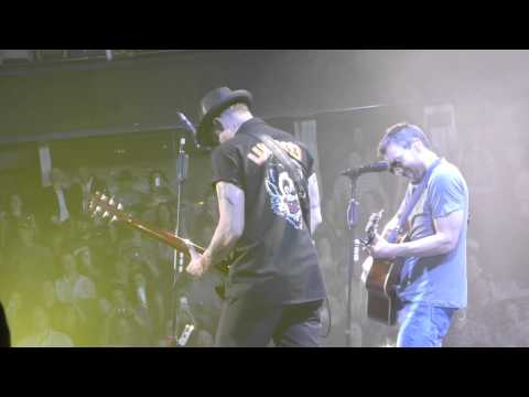 Eric Church - Cold One - April 11, 2015 - Calgary, AB