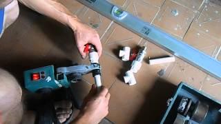 Как сделать байпас для радиатора отопления из полипропилена(Видеоролик изготовления байпаса из полипропиленовых труб и шаровых кранов., 2014-08-17T13:05:38.000Z)