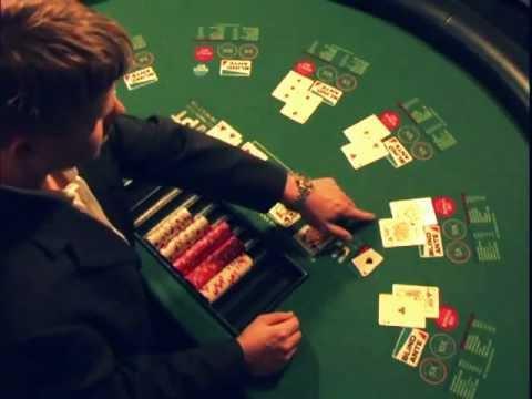 En el poker que gana color o escalera