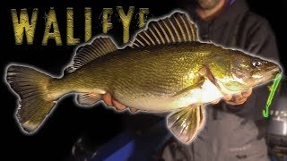 GIANT Walleye - Winter Walleye Fishing Tips and Techniques