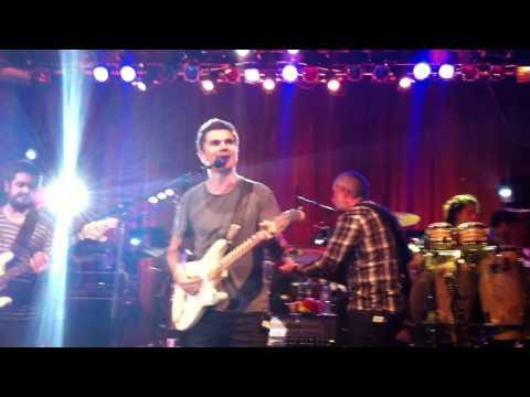 Juanes La Tierra Live in NYC 12/08/2010