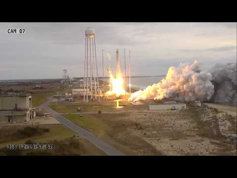 U.S. Commercial Cargo Spaceship Heads to the International Space Station
