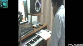 Keyboard lessons beginners online Skype video teachers Learn Indian Keyboard music Guru