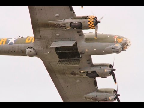 "CLACTON AIRSHOW - ""SALLY B"" BOEING B-17 FLYING FORTRESS DISPLAY - 2015"