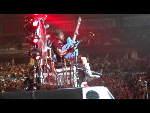Foo Fighters - My Hero (Live in Oklahoma City, OK Chesapeake Energy Arena September 29, 2015)