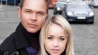 Lauris Reiniks & Aisha (Aija Andrejeva) - PASAKĀ - LATVIA