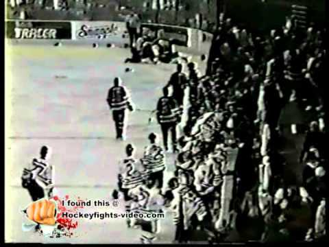 Mar 20, 1994 Jamie Butt vs Jason Wiemer Tacoma Rockets vs Portland Winterhawks WHL