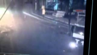 Diyarbakır'da TOMA'ya el yapımı bombayla saldırı