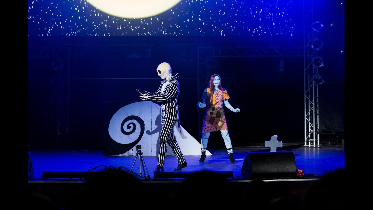 Jack and Sally Cosplay Act The Nightmare Before Christmas 2017 ...