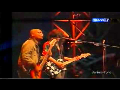Konser 27th Slank - I Miss U but I Hate U (Slank feat Marshanda).flv