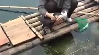 Рыбалка - ловля рыбы на утку, дрессированная утка