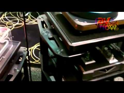 CEDIA 2011: Harmonic Resolution Systems Explains Its SXR Series of Stands