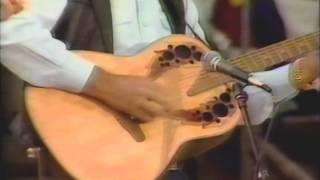 "Glen Campbell & Carl Jackson Play ""Dueling Banjos"" (1986)"