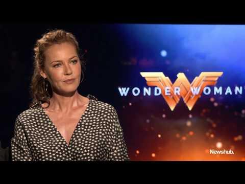 Wonder Woman : Connie Nielsen  hub