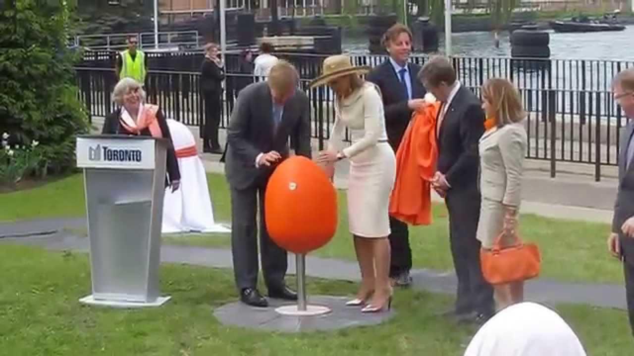 Tulpi chairs Toronto Island Park - YouTube