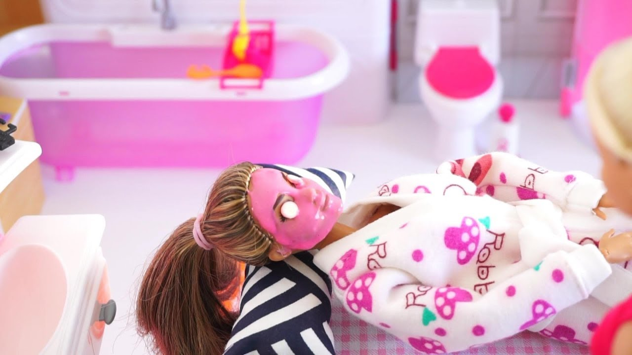 Barbie Doll Spa Massage And Relaxing Vacation Day Tia Tia Youtube