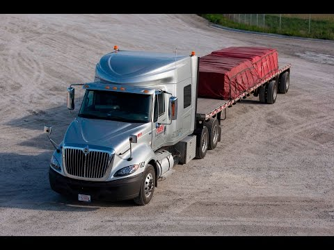 What it's Like to Work on Our Flatbed & Specialized Division | Roehl.Jobs
