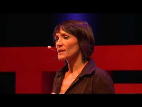 Nos fausses idées sur la monnaie | Ariane TICHIT | TEDxClermont