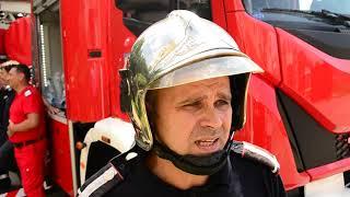 Un bărbat în vârstă de 66 de ani a murit, iar alte şapte persoane s-au intoxicat cu fum în urma unui incendiu produs într-un bloc.