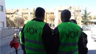 """إسبانيا: حزب """"فوكس"""" اليميني لا يخفي كرهه للأجانب والمثليين خلال حملته الانتخابية"""
