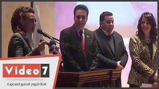 الفنانة أنوشكا بجامعة عين شمس: بعشق ترابك يا بلدى