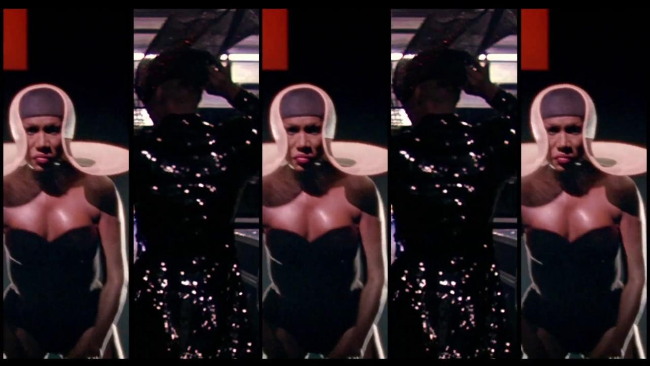 La Icónica Grace Jones Es Una Diosa Electrizante En El Nuevo Trailer