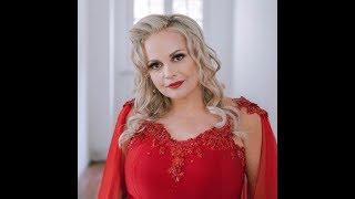 Leandro Gasco entrevista a cantautora Karina Moreno en radio sueca