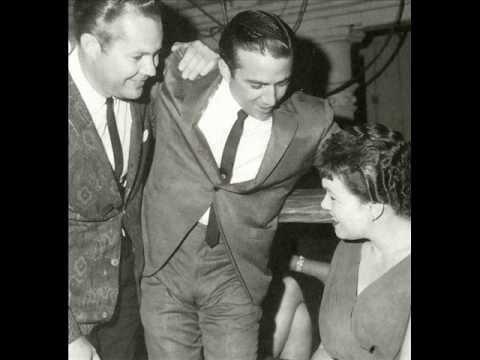 Patsy Cline - Walkin' After Midnight (1961 Version)
