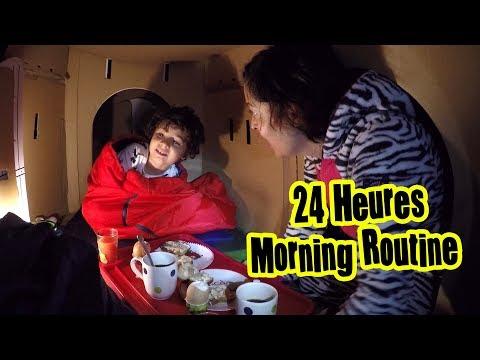 MORNING ROUTINE DANS NOTRE CABANE EN CARTON - On chante la comptine JOHNY JOHNY YES PAPA 😀
