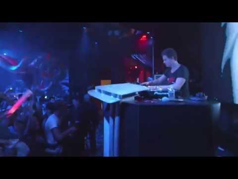 Deniz Koyu vs Calvin Harris - Hertz So Close (FLG Bootleg)   Fedde Le Grand Live @Surrender Vegas
