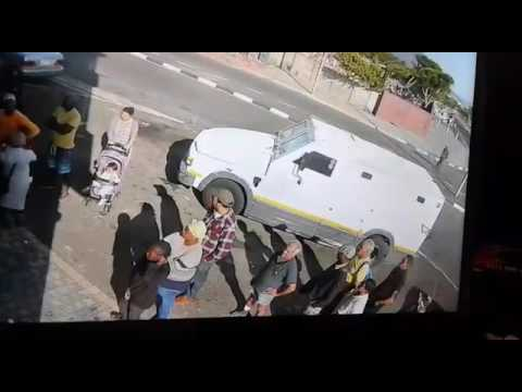 Cash transit heist ,cpt south africa march 2017