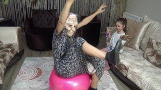 Lina  Babaannesine Plates Yapmayı Öğretiyor   Eğlenceli Çocuk Videosu