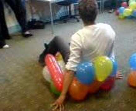 Beau Balloon Chair Lesson