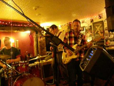 the deluxe play blues at the boot shoe